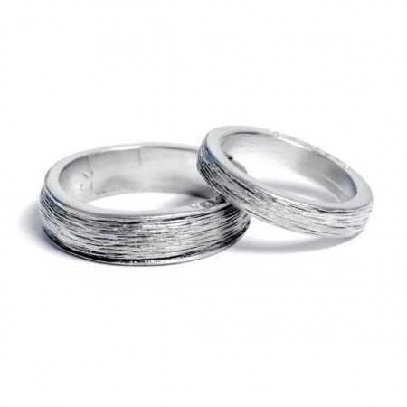 him and her 10th anniversary tin rings