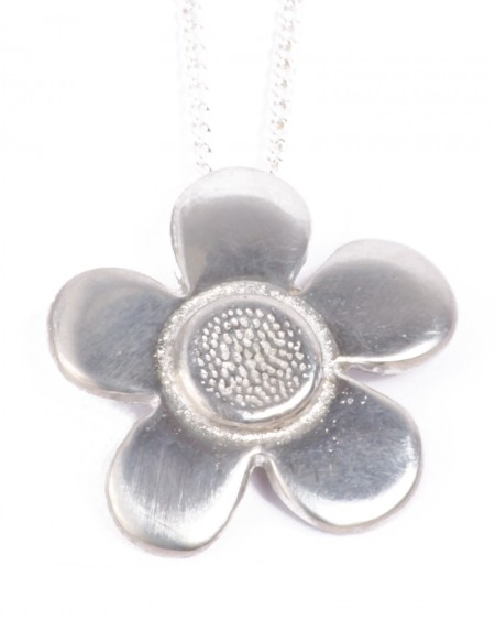 chunky flower tin necklace